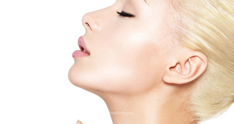 Le Néfertiti Lift, la dernière tendance pour un cou et une mâchoire parfaits