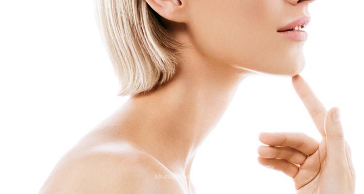 Comment éliminer son double menton sans avoir recours à la chirurgie ?