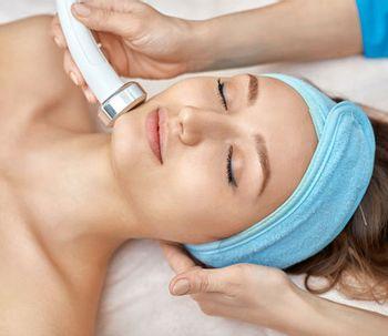 Ultherapy : une méthode de rajeunissement facial sans chirurgie