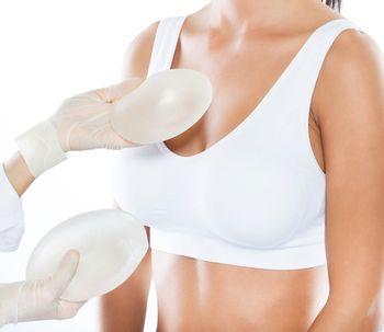 Quelle marque de prothèse choisir pour son augmentation mammaire ?