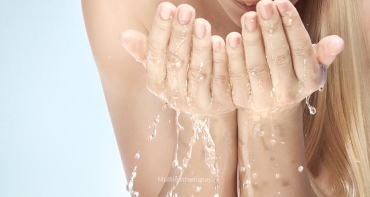 Combattre la sécheresse lorsqu'on suit un traitement contre l'acné