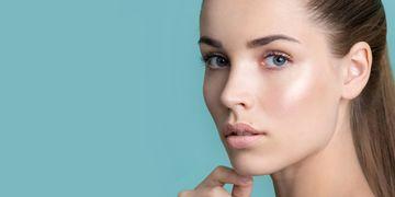 Un traitement de rajeunissement du visage pour chaque femme