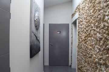 Un accès facile aux différentes salles de  soins en rez de chaussée