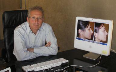 Dr Lionel Azan
