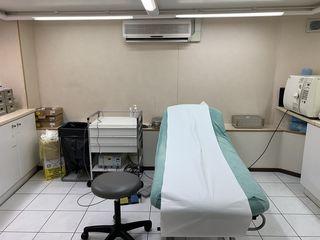 Salle d'opérations légères du cabinet médical