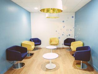Salle d'attente consultation - Dr Eric Bonafos