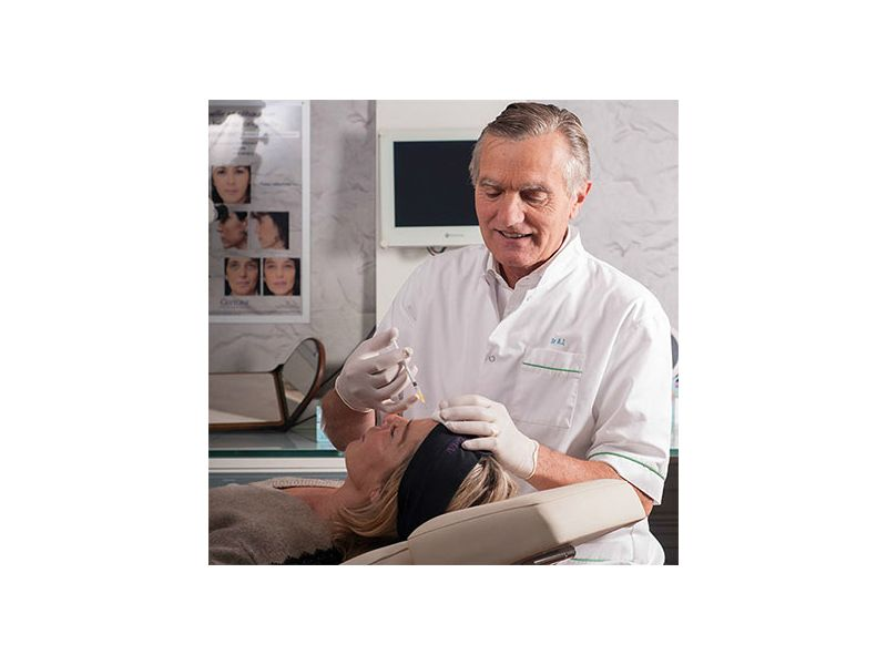 Dr Arnaud de Lataillade