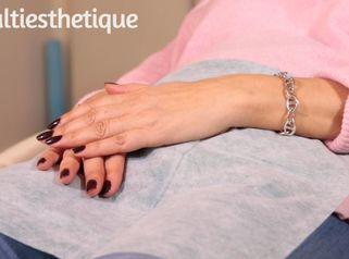 Les traitements pour rajeunir les mains et le décolleté
